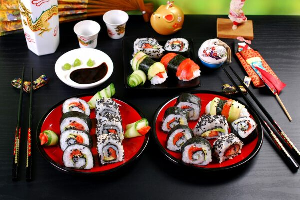 Seafoods_Sushi_Plate_495094_1440x900